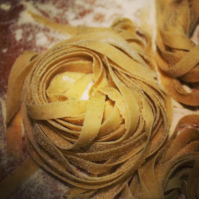 Tagliatelle alle lenticchie di Ustica, con broccoletti siciliani e speck